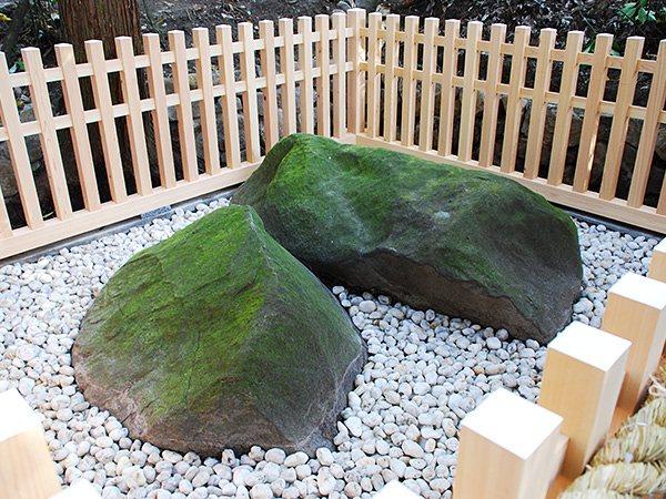 【9】夫婦岩(めおといわ)